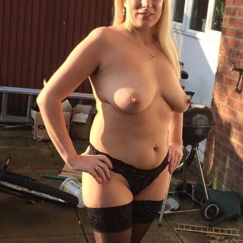Femme ronde avec des rondeurs généreuses pour du sexe à Luxembourg