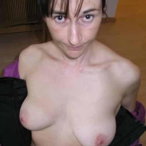 Femme mûre à la recherche de plaisir